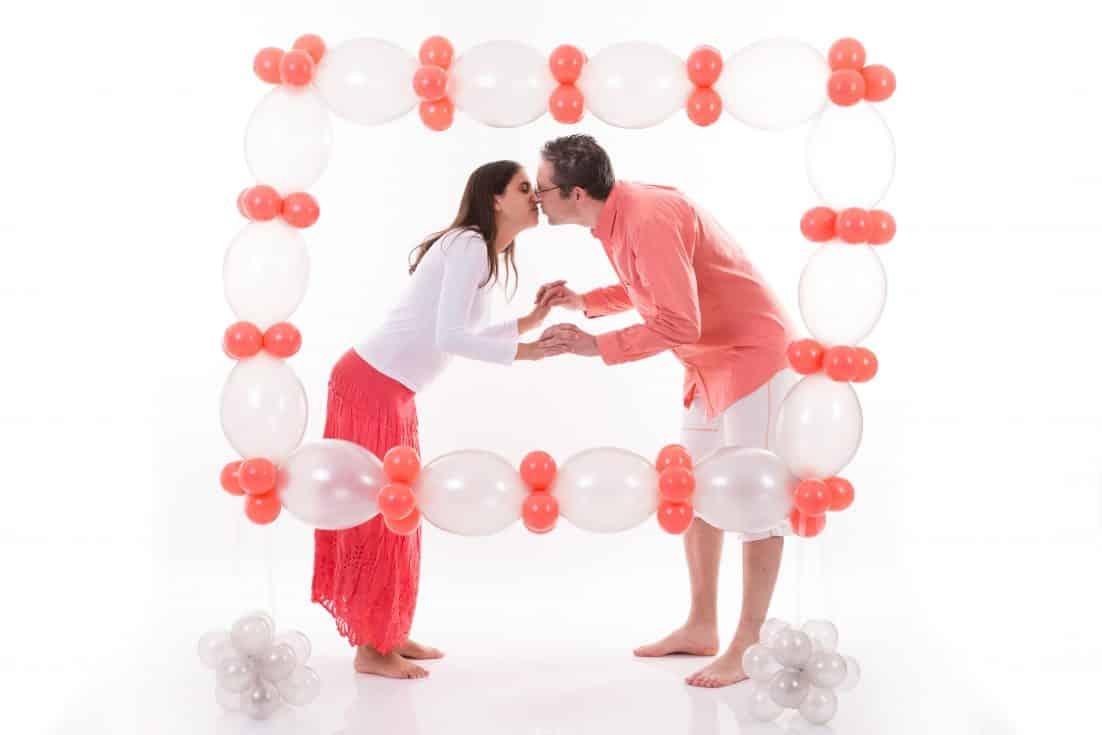 בלונים לחתונות – איך להפוך את החתונה לחוויה מרגשת וצבעונית